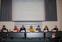 Das Podium der Auftaktveranstaltung 2010 in der Handelskammer Hamburg