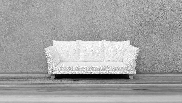 Ein Sofa vor hellem Hintergrund
