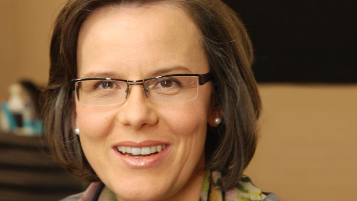 Portrait-Aufnahme von Prof. Ingrid Piller.