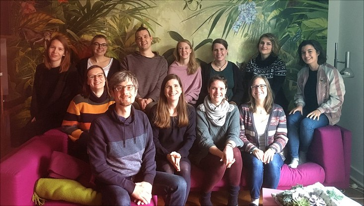 Gruppenbild der Arbeitsgruppe auf der Weihnachtsfeier