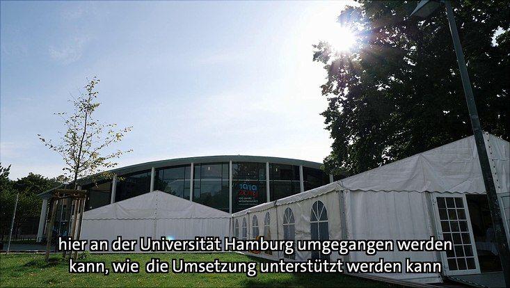 Zelte vor dem Audimax als Standbild aus dem Video