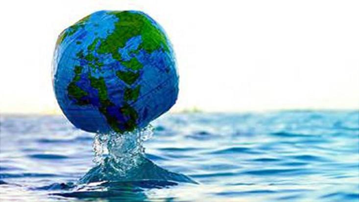 Versinkender Globus