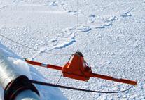 Eisdickensensor am Forschungsschiff Lance