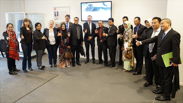 Besuch einer Delegation des Indonesischen Parlaments an der HSFS