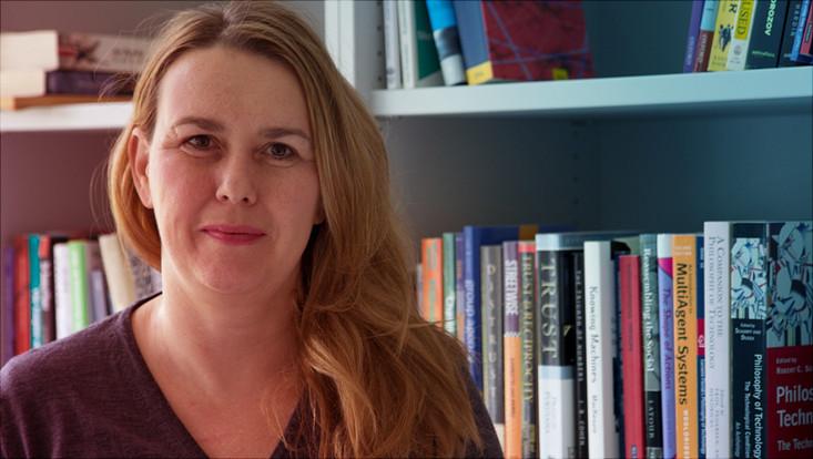 Prof. Dr. Judith Simon