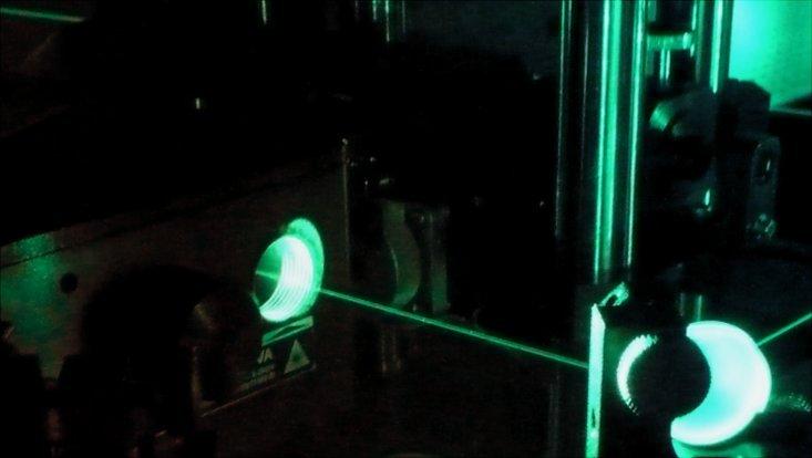 Ultrakurze Laserpulse zur Untersuchung der Starkfeldionisation mit ultrakalten Atomen.