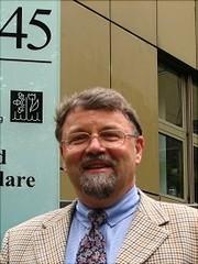 Profilbild von Hans-Ulrich Moritz vorm TMC Gebäude