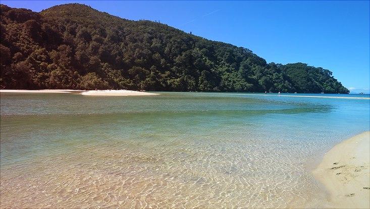 Klares Wasser am Tasman beach