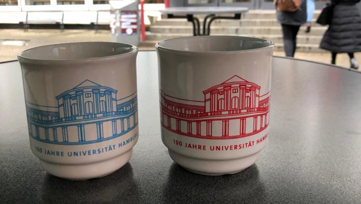 Glühweinbecher mit Motiv: 100 Jahre-Universität Hamburg