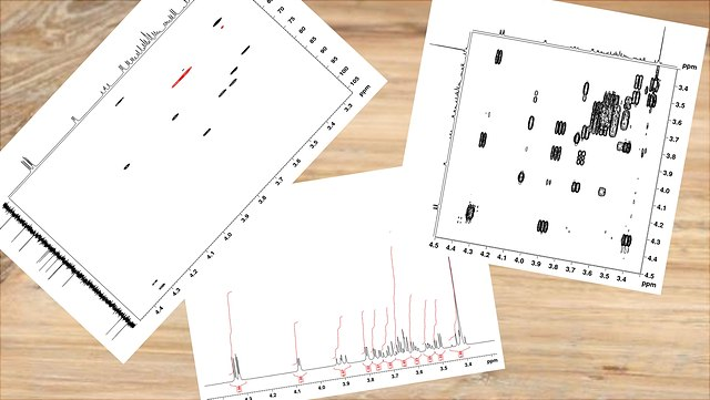 NMR-Spektren auf einem Tisch