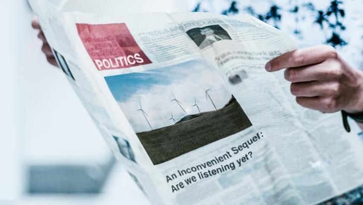 Zeitung mit Klimaartikel