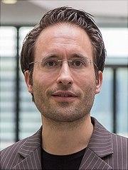 prof.-dr.-florian-gruener-universitaet-hamburg-180x240