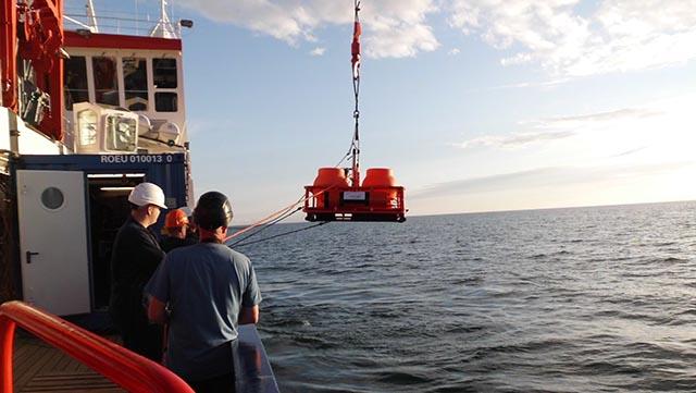 deployment of ocean bottom seismometers