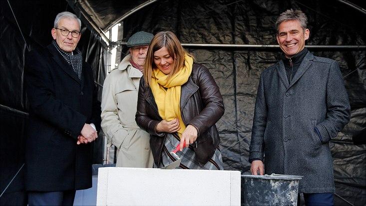 Grundsteinlegung mit Katharina Fegebank (Wissenschaftssenatorin), Prof. Dr. Dr. h.c. Dieter Lenzen (Präsident Universität Hamburg), Kay Gätgens (Bezirksamtsleiter Eimsbüttel) & Ewald Rowohlt (Geschäftsführer Gebäudemanagement Hamburg)