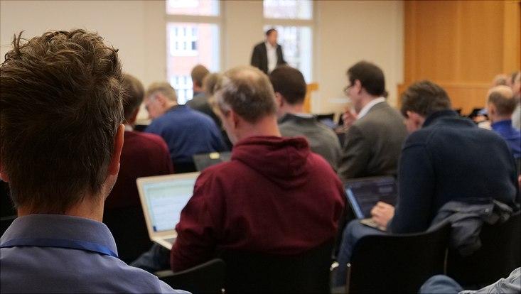 Zuhörende beim Fakultätentag Informatik.