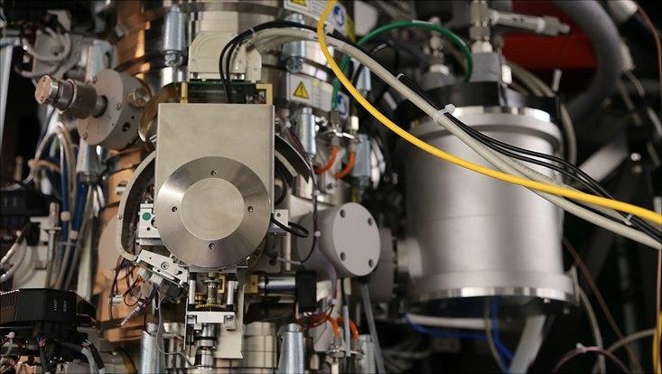 Teil des Kryo-Elektronenmikroskops am CSSB.