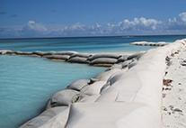 Erosionsschutz Sandsäcke Koralleninsel Anegada