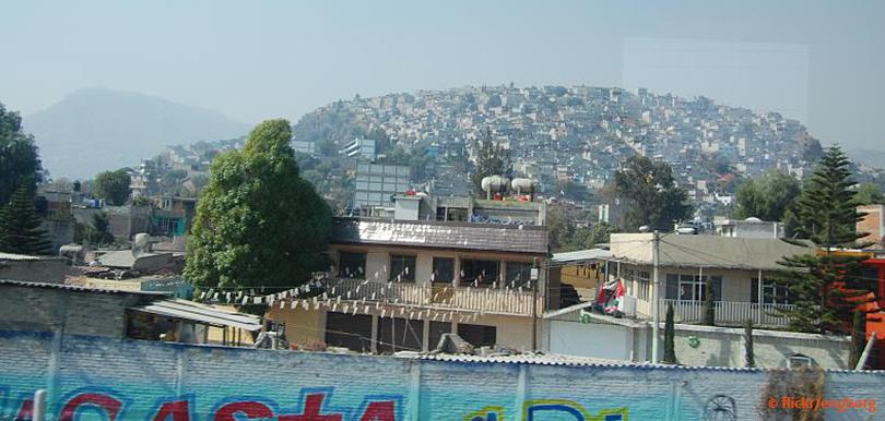 Viele kleine Häuser in Mexiko City