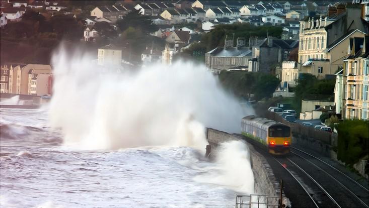 Train splashing wave