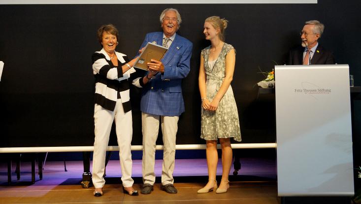 Jana Hinners erhält den Mattern-Preis