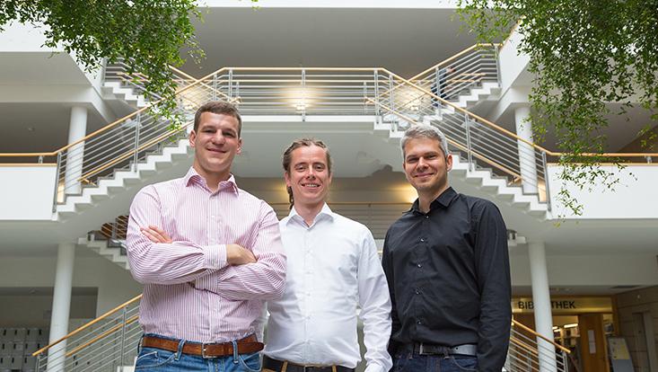 Julius Gurr, Goran Schmidt und Martin Nopens (v. l. n. r.) organisieren einen PhD-Workshop am Zentrum für Holzwirtschaft.