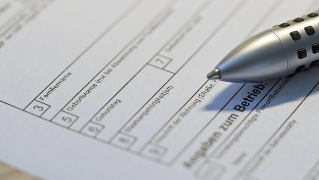 Stift auf Formular