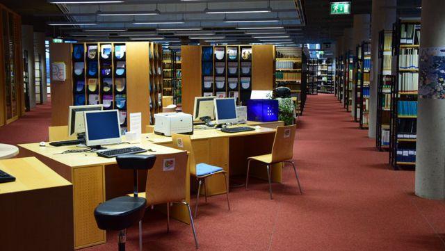 Arbeitsplätze Bibliothek