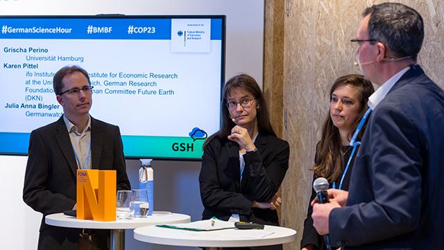 Grischa Perino mit den anderen Teilnehmern der German Science Hour