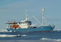"""Befährt das Polarmeer, um Vorhersagen zur Eissituation zu Validieren: Die """"RV Lance""""."""