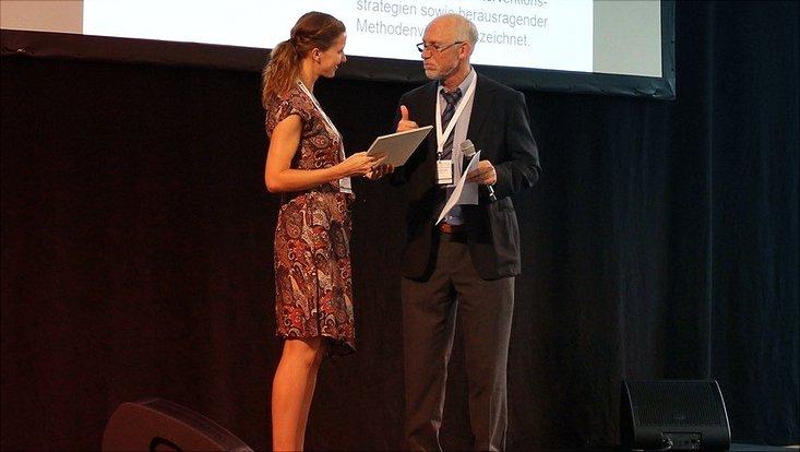 Annika Clamor bei der Preisübergabe