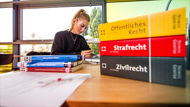 Eine Studentin in der ZBR