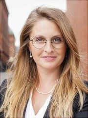 Ein Portraitfoto von Anne Dienelt