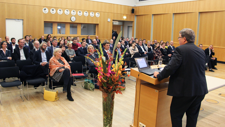 Dekimpe während seiner Rede