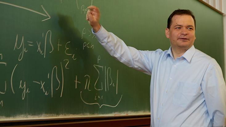 Prof. Dr. Martin Spindler