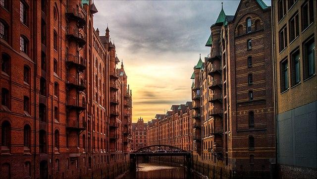 Speicherstadt, Blick auf Fleet und Brücke