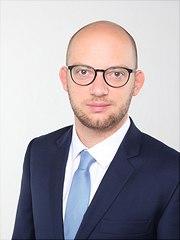 Dies ist ein Portrait von Fabian Grünwald