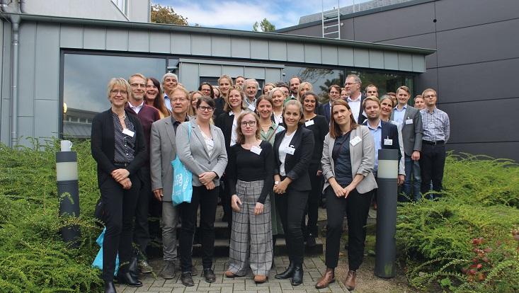 Gruppenfoto aller Teilnehmenden der Jahrestagung des AKempor 2019.
