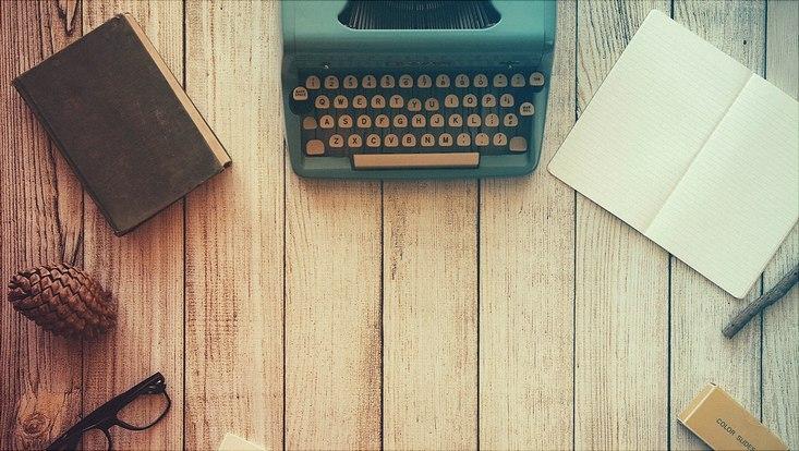 Schreibmaschine, Stift, Schreibheft