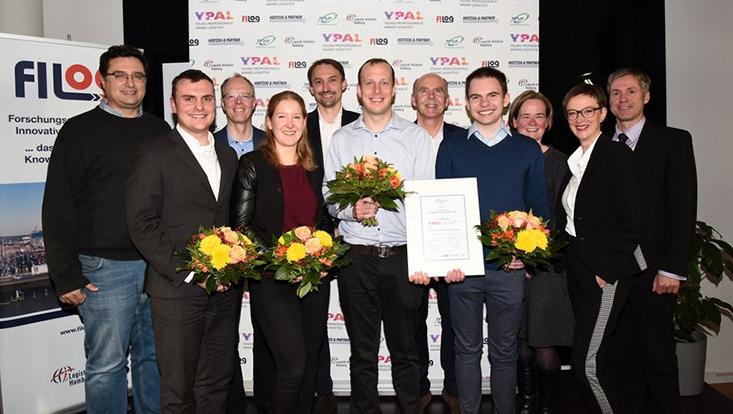 Abschlussfoto mit allen Beteiligten des Young Professionals Awards