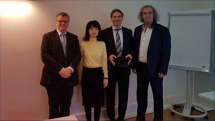 Dr. Sascha Ruja mit seinem Promotionskommittee