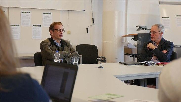 """Hajo Seppelt und Volker Lilienthal im Seminar """"Medienethik"""""""