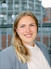Portraitaufnahme Jana Hesse, M.Sc., Leiterin #UHHhilft und Wissenschaftliche Mitarbeiterin