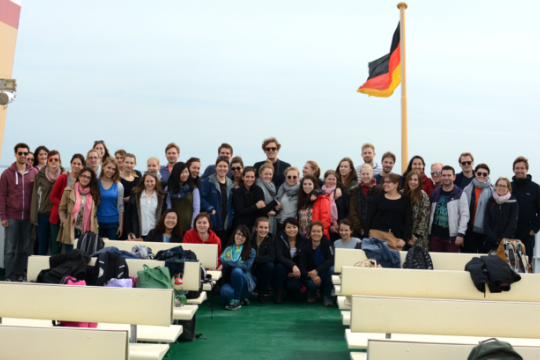"Group photo of Prof. Dr. Timo Busch and students from his master course ""Industrial Ecology"" on their way to an excursion to the SmartRegion prject"