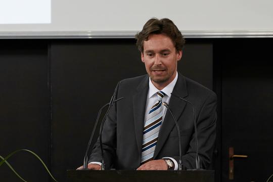 Der Direktor der Graduate School der Fakultät für Wirtschafts- und Sozialwissenschaften Herr Prof. Dr. Timo Busch