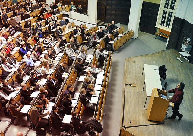 Bild einer Vorlesung im Hörsaal