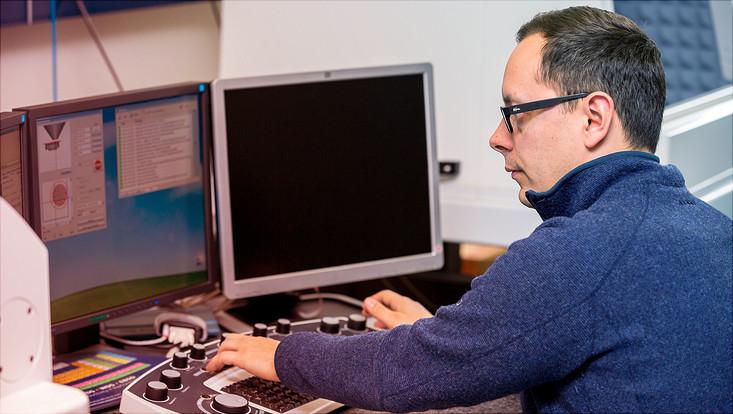 Mitarbeiter am PC