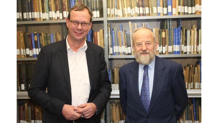 Prof. Dr. Henrik Sattler
