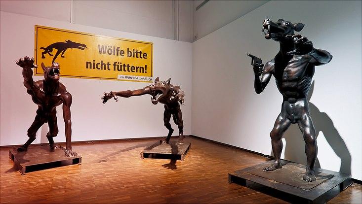 """Figurengruppe """"Die Rückkehr  der Wölfe"""" von Rainer Opolka"""