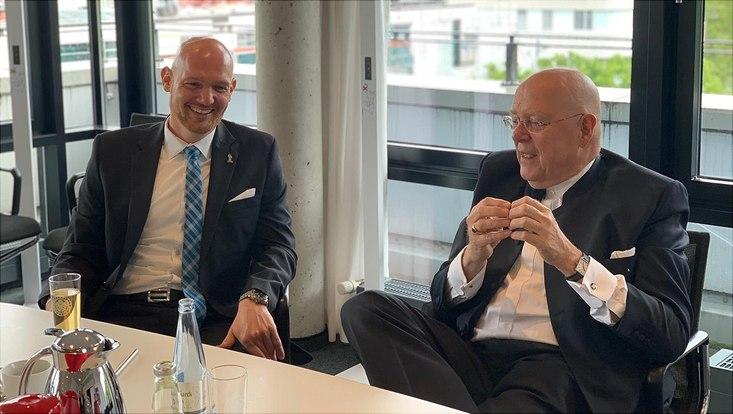 Alexander Gerst and President Lenzen
