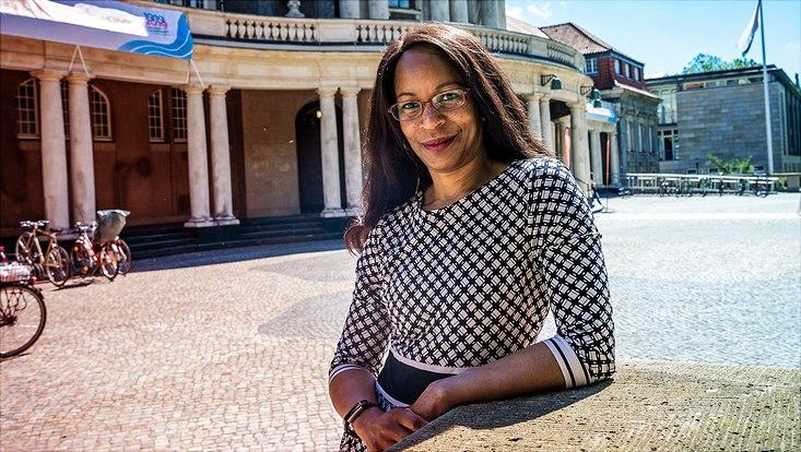 Portrait Professor Stacey Lee